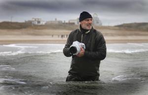 Dick Hogewoning nieuwjaarsduik Katwijk 2012